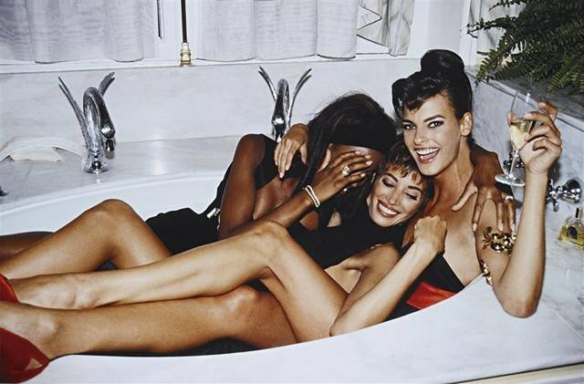 ROXANNE LOWIT Three Models in a Tub, Paris, 1990